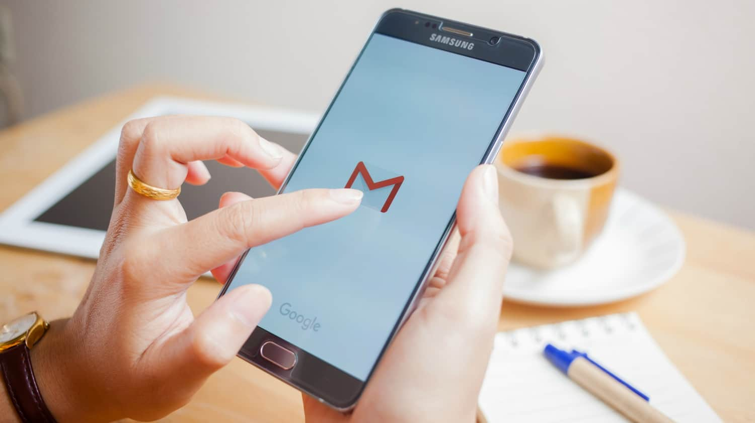 Smart phone displaying Gmail application | Sign Up For Gmail | A Comprehensive New User Guide | sign up for Gmail | add an account to gmail | Featured