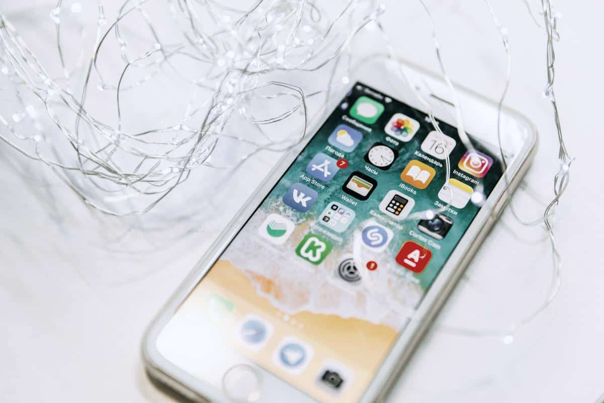 iphone and fairy lights | How To Delete iPhone Apps That You Don't Need Anymore | how to delete iphone apps | how to permanently delete apps from iphone