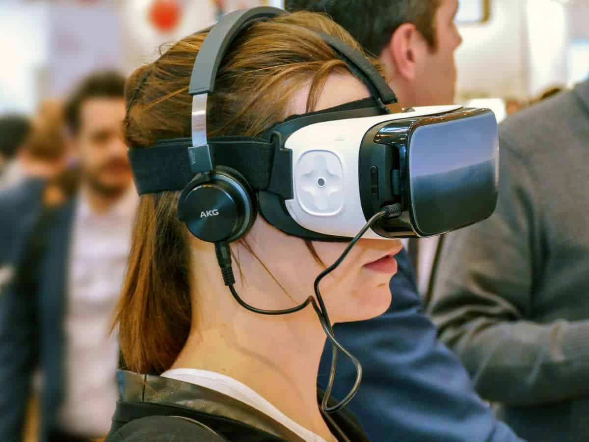 Oculus VR Glass   Virtual Reality Headsets and Components   What Is VR? How Virtual Reality Will Change The Future   virtual reality headset   playstation vr headset   virtual reality experience