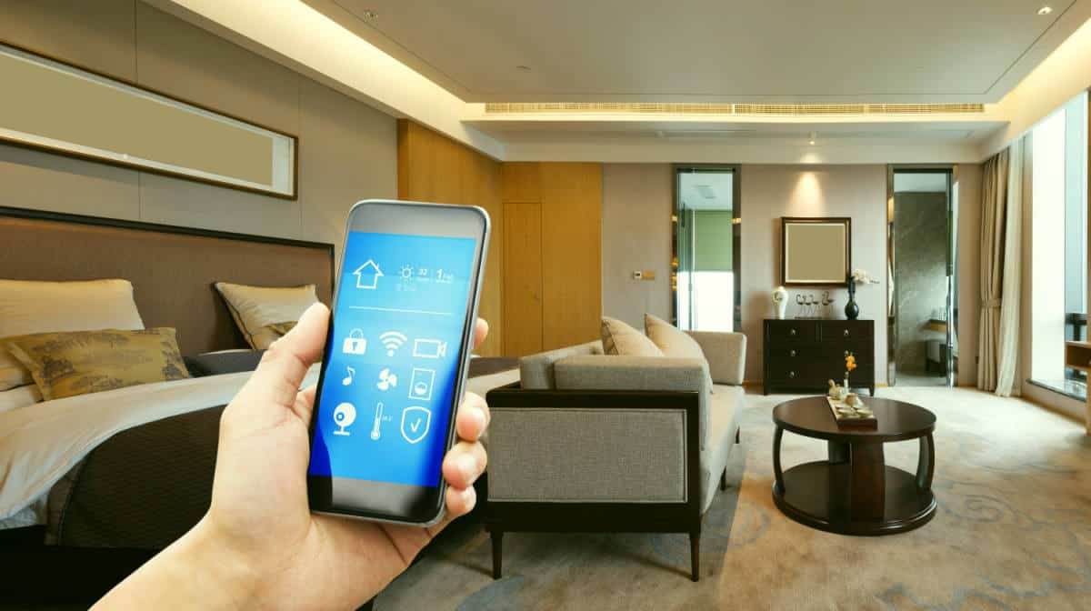 Mobile phone apps modern luxury | The Ultimate Smart Home Systems Buying Guide