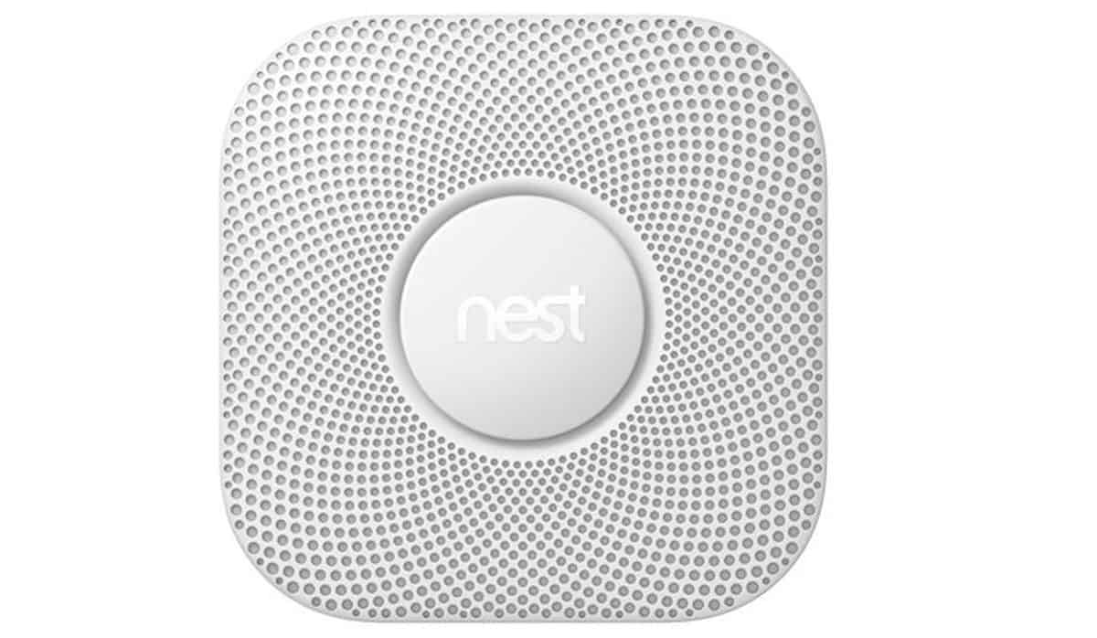 Nest Protect Smoke & Carbon Monoxide Alarm, Battery (2nd Gen) | Smart Tech Gift Ideas for Smart Homeowners