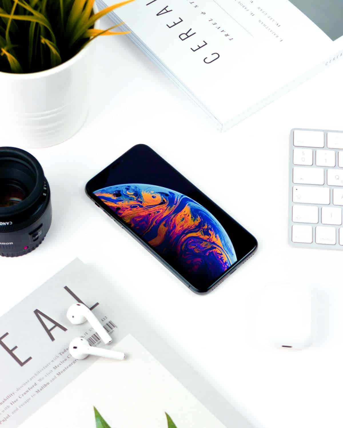 iPhone XS and airpods | iPhone XR, XS, and XS Max | Difference Between The Latest iPhone Models