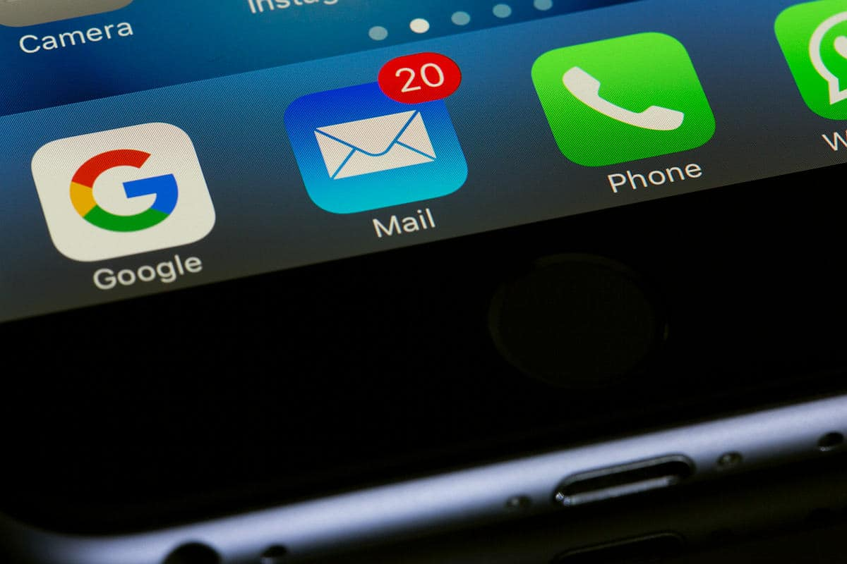 Notifications on mobile phone | Tech Resolutions For The New Year