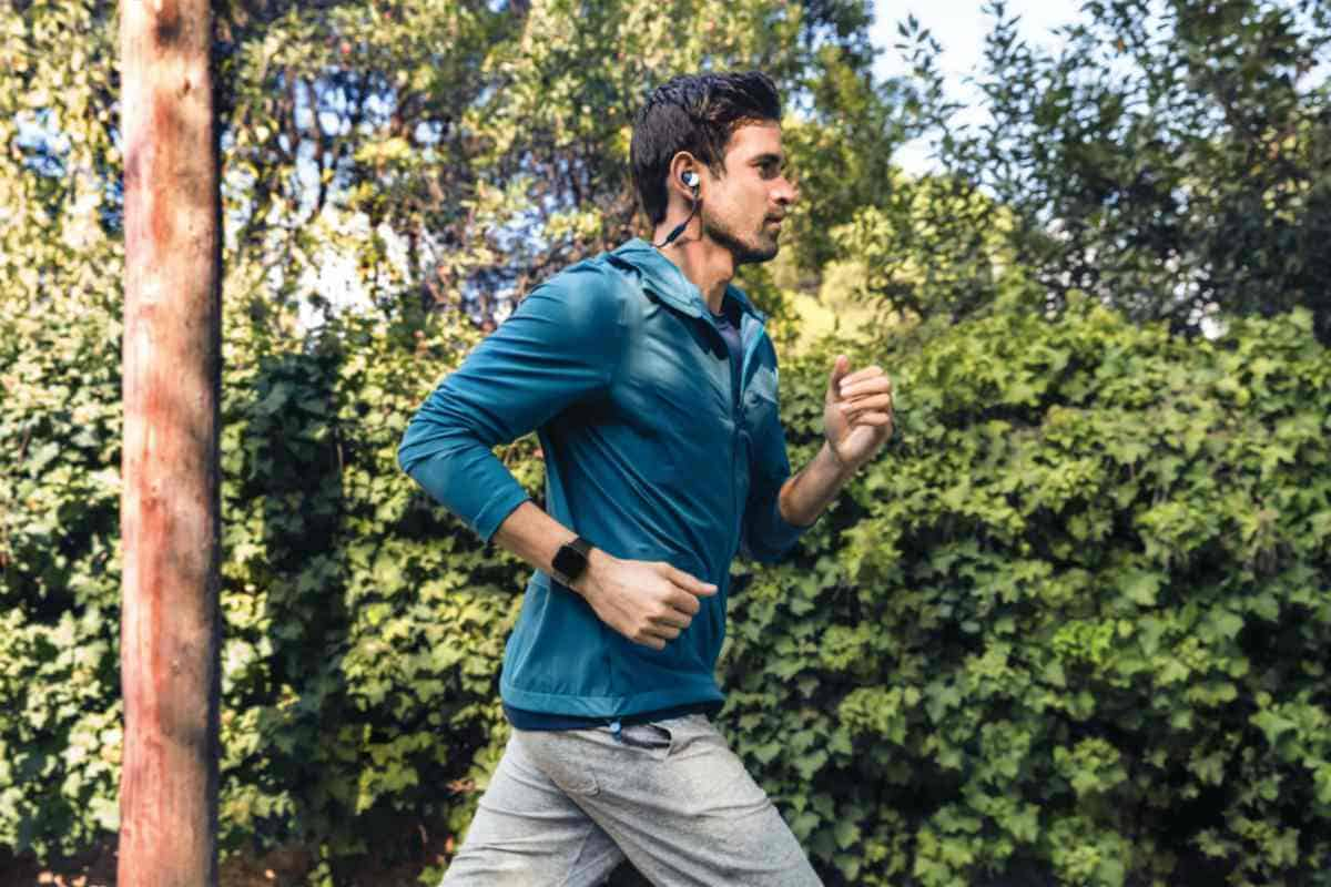 Man jogging | Benefits of the Fitbit Versa | Fitbit Versa | The Smart Fitness Tracker For Everyone