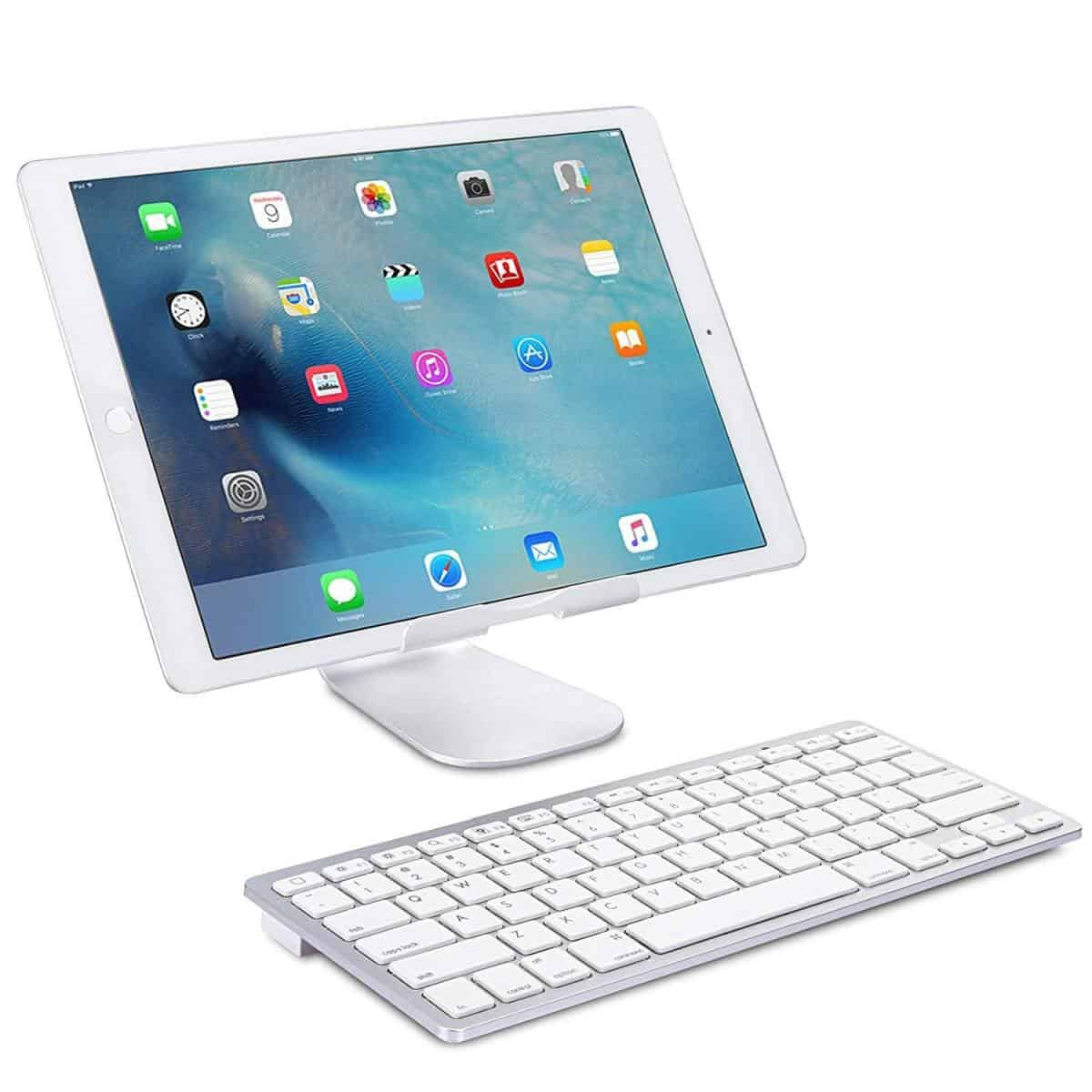 Omoton Ultra-Slim Bluetooth Keyboard | Essential iPad Accessories