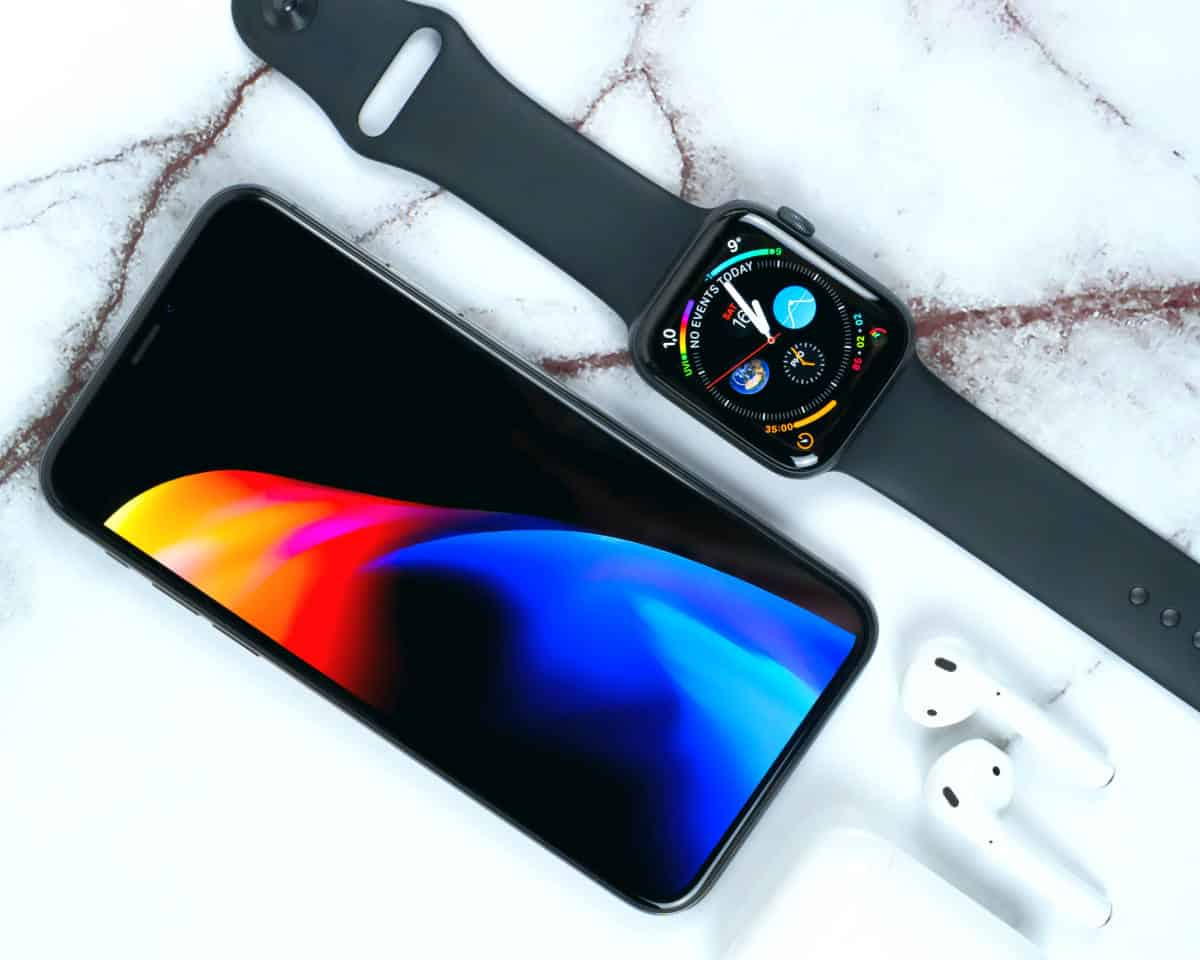 Daniel Korpai Airpod, Apple watch and iPhone | How To Use AirPods: 6 Extra Features You May Not Know